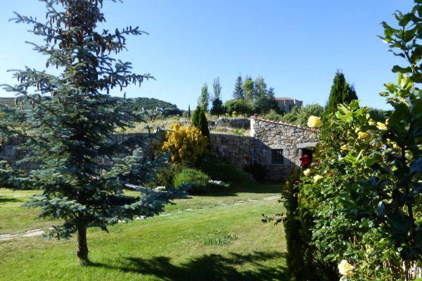 fm-exterior-jardin-norte73F6E1E3-0543-5D87-FFF7-2A29C3210022.jpg