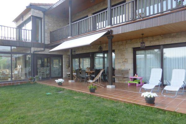 fm-porche-fachada-principal-toldoF8B6F7A1-F1ED-1AA0-FF47-F7364BA5DA08.jpg