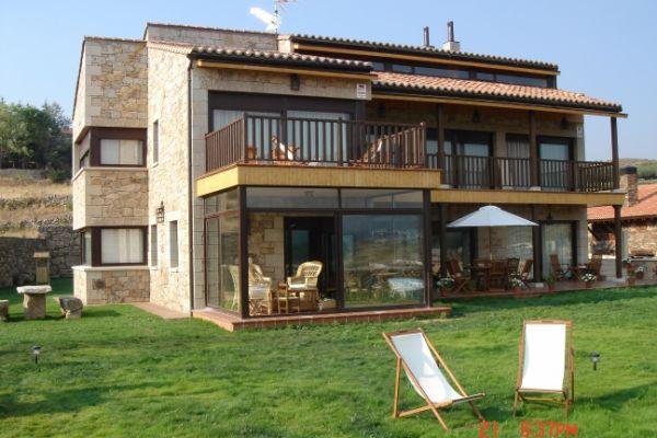 3-linar-fachada-porche-diaB989A158-4955-B186-6DB6-4DF7A128BC60.jpg