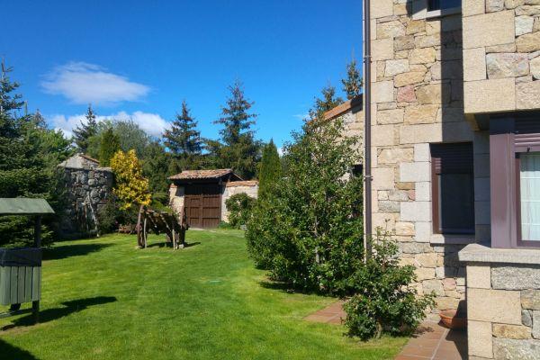 exterior-detalle-jardin-entradaE9AA960B-A374-8FCB-4252-79FED4FFFB1B.jpg