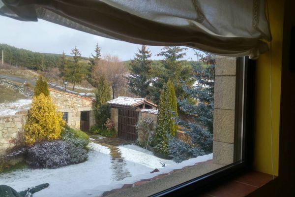 fm-nieve-puerta-entrada0B95EFC1-DA58-69EC-4967-1714699E8B75.jpg
