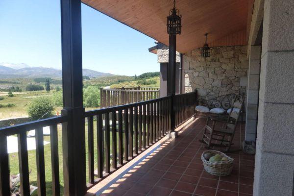 fm-terraza-habitaciones-planta-superiorE9E85744-6D6D-8A04-0EF8-8A207324369F.jpg