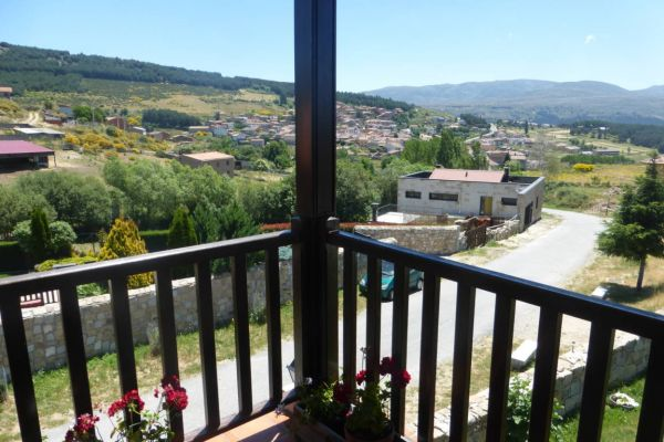 fm-terraza-planta-superior-vistas-a-pueblo694700B1-4D48-B548-7DE2-84C0F6160AF8.jpg